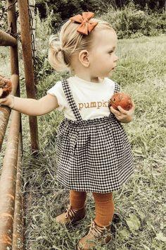 Pumpkin - Organic Tee - In den ersten Monaten wird Ihr Baby die Spielzeuge bevor. Pumpkin - Organic Tee - In the first few months, your baby will prefer the toys that it can see and hear the m Fashion Kids, Baby Girl Fashion, 2000s Fashion, Toddler Fashion, Hijab Fashion, Fashion Fashion, Korean Fashion, So Cute Baby, Trendy Baby Clothes