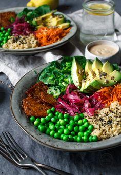 Vegane Gemüse Schale, vegetarisch, gesund, Gemüse, schnell, lecker, kreativ, Rezepte, Spinat, Avocado, Quinoa, frisch, Kochhaus