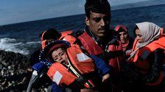 Recordaantal steekt Middellandse Zee over   NOS