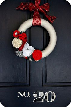 Make a Holiday Felt Flower Wreath!! Simple tutorial over at Tatertots and Jello #DIY #Christmas