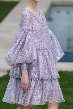 Chanel Couture Spring 2019 Fashion Show Details Modest Fashion, Hijab Fashion, Runway Fashion, Spring Fashion, Fashion Dresses, Womens Fashion, London Fashion, Spring Couture, Haute Couture Fashion