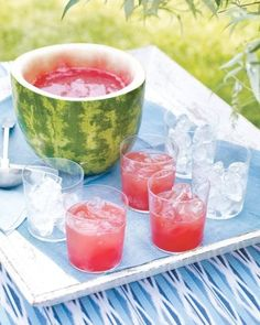 Watermelon Punch and Bowl - Martha Stewart Recipes. Imagine if a wee bit o' rum or watermelon vodka was added to this! Recettes Martha Stewart, Martha Stewart Recipes, Snacks Für Party, Party Drinks, Party Party, Party Wedding, Wedding Tips, Party Favors, Summer Parties