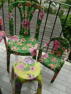 Decoupage Furniture, Diy Furniture Projects, Painted Furniture, Diy Plastic Bottle, Painted Chairs, Boho Diy, Deco Design, Interior Design Living Room, Diy And Crafts