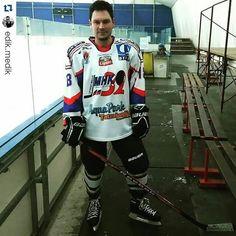 Športové príspevky označ @sportujvmeste.sk #sportujvmeste  Najlepšie vyberieme a uverejníme s vašim súhlasom  #Repost @edik.medik  #ilovehockey#sabinov #sportujvmeste #rebel #icehockey #slovak #slovakia #sport #nhl#oldphoto #oldpic#liptov #liptovskymikulas by sportujvmeste.sk