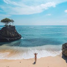 Fed onto Beach Travel Destiantions Album in Travel Category Reisen In Europa, Beaches In The World, Vacation Places, Vacations, Most Beautiful Beaches, Bali Travel, Roadtrip, Travel Goals, Beach Trip