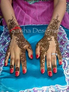 For the third annual Mehndi Maharani Contest, this amazing henna artist shows us her beautiful designs!