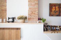 Modern & Rustic Style In Spanish Home, Beautiful Tile Floors Scandinavian Style, Scandinavian Interiors, Rustic Style, Modern Rustic, Kitchen Wall Panels, Blue Grey Walls, Grey Countertops, Gravity Home, Kitchen Window Treatments