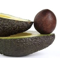 Grow your own from seed: Avocado Tree will begin setting fruit after they are 3 or 4 years old. Have several avocado trees growing together to aid w/pollination. How tall will my avocado tree grow? It can grow between 20 and 40 feet tall. With pruning, it can be kept at a much shorter height.