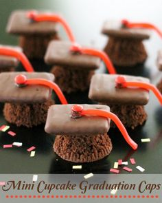 EASY Mini Cupcake Graduation Caps.  I plan on using brownies baked in a mini muffin tin.  Cute!
