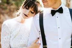 This Saratoga Springs wedding in the Cali hills features perfectly ethereal bridal style, a earthy and minimal decor design, and a s'mores bar!