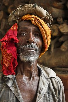 Untitled Portrait We Are The World, People Around The World, Shiva, Portrait Art, Portrait Photography, Old Faces, Face Expressions, Foto Art, Interesting Faces