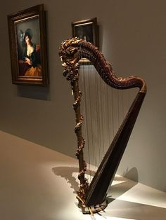 Marie-Antoinette's harp 1775 gilded and painted wood, metal, bronze, pearl and glass beads - Food Wine Travel Homemade Instruments, Piano Teaching, Music Wall, World Music, Violin, Cello, Marie Antoinette, Painting On Wood, Glass Beads