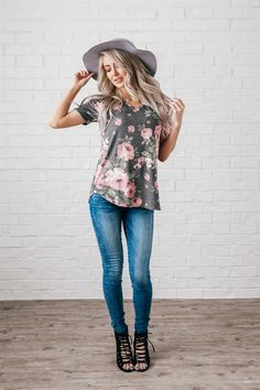 ​You will love springing into the new season in this comfy Vintage Floral Tunic Tee! Featuring a stunning vintage floral print, short sleeves, a flattering scooped neckline, and made from ultra-soft material.