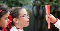 """La mitad de los niños que necesitan gafas no las utilizan por desconocimiento de sus padres. Actualmente, entre un 5 por ciento y un 10 por ciento de los preescolares, así como un 25 por ciento de los escolares tiene problemas visuales como """"miopía, hipermetropía o estrabismo""""."""