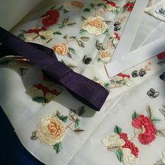 봄신부 저고리~~ #한복#신부저고리#한국복식#결혼한복#휘재원#청담동자수공방 #자수한복#자수#전통자수#embroidery #koreanembroidery #hanbok