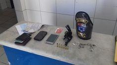 Homens são presos com drogas e arma em carro em Marechal Deodoro - https://anoticiadodia.com/homens-sao-presos-com-drogas-e-arma-em-carro-em-marechal-deodoro/