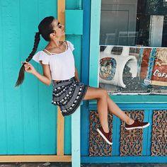 FUN fri YAY 🐬☀️🎉 • • • • • • • • • • • #braidsinaction #braidgoals #trança #hairdo #braidstyle #braids #bohostyle #inspirationalbraids #hairgoals #mermaidhair #braidinspo #braidlovers #beachyhair #trenzas #braidlife #braidsofinstagram #braidstyles #instabraid #lifestyle #outfitoftheday #bodygoals #goals #hawaii #bluesky #easyhairdo #longhairdontcare #befree #freeyourself #northshoreoahu UNUM #unum