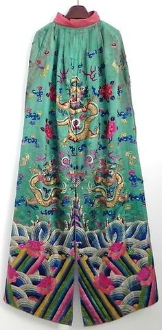 Chinese Hand Embroidered Silk Brocade Long Cape Robe, Qing Dynasty 19th century