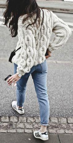 10 уютных свитеров, которые просто необходимы зимой