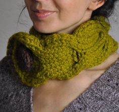 Simplicity and style. Classic #cable pattern in its best form is exposed here in a very lively #lemongrass color. It will underline your personality and attract attention. Bi... #neckwarmer #knit #collar #cowl #green #eveldasneverland #braided