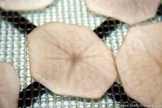 How to Dehydrate Potatoes for Multi Use - Getty Stewart Dehydrate Potatoes, Dried Potatoes, Shredded Potatoes, Peeling Potatoes, Scalloped Potatoes Au Gratin, Scalloped Potato Recipes, Dehydrator Recipes, Food Processor Recipes, Dehydrated Food