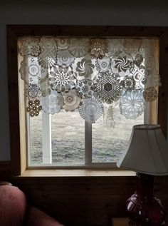 Crochet Curtains, Boho Curtains, Crochet Curtain Pattern, Doilies Crafts, Lace Doilies, Shabby Chic Cottage, Shabby Chic Decor, Home Crafts, Diy Home Decor