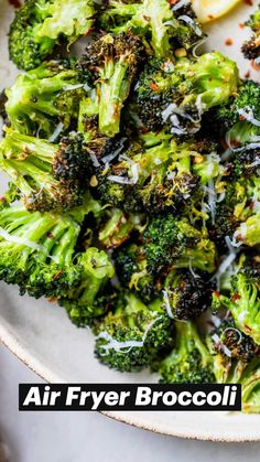 Air Fryer Recipes Vegetarian, Air Fryer Recipes Easy, Healthy Recipes, Roast Frozen Broccoli, Air Fryer Cooking Times, Air Frier Recipes, Us Foods, Air Frying, Broccoli Recipes