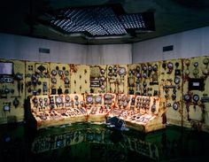 http://www.slate.com/blogs/behold/2012/11/26/lori_nix_diorama_photography_creating_post_apocalyptic_tiny_dioramas.html#