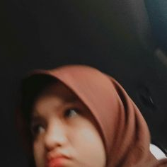 Casual Hijab Outfit, Ootd Hijab, Girl Hijab, Aesthetic Vintage, Aesthetic Girl, Snapchat Picture, Local Girls, Insta Photo Ideas, Ulzzang Girl