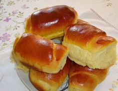 Homemade Bread - CaarapoNews - The Number 1 Caarapó Sweet Recipes, Real Food Recipes, Bento, Brazillian Food, Brioche Bread, Biscuit Bread, Portuguese Recipes, Sweet Bread, Hot Dog Buns