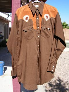 Vintage Country Western Shirt / Men's Brown Tan Rockabilly Shirt w/ Pearl Snaps / Cowboy Shirt w Embroidered Horse / Size 17-36