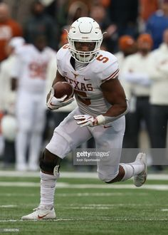 Texas Longhorns running back Tre Watson during a run in the fourth quarter of a Big 12 football game between the Texas Longhorns and Kansas Jayhawks on November 2018 at Memorial Stadium in. Get premium, high resolution news photos at Getty Images Texas Longhorns Football, Oregon Ducks Football, Ohio State Football, American Football, College Football, Big 12 Football, Notre Dame Football, Sport Football, Football Uniforms
