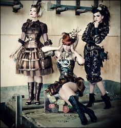 Truly awesome steampunk outfits.