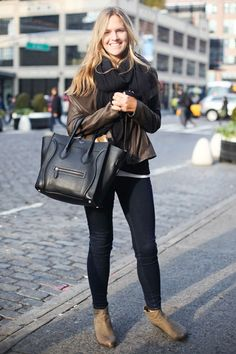 In NYC, proof that black and brown look perfect together #streetstyle