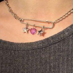 safety pink charm necklace 🦋🧷🎐🧚🏼♀️ - Depop - - safety pink charm necklace 🦋🧷🎐🧚🏼♀️ – Depop c r e a t i v e Sicherheitsrosa Charm Halskette 🦋🧷🎐🧚🏼♀️ – Depop Cute Jewelry, Diy Jewelry, Jewelry Accessories, Jewlery, Safety Pin Jewelry, Grunge Accessories, Safety Pin Crafts, Funky Jewelry, Hippie Jewelry