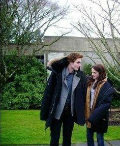 Twilight Saga Series, Twilight Cast, Twilight Pictures, Twilight Movie, Twilight Renesmee, Bella Y Edward, Twilight Bella And Edward, Bella Swan, Robert Pattinson Twilight