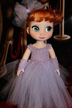 Anna's glamorous new gown. Disney Princess Toddler Dolls, Disney Dolls, Cute Disney, Baby Disney, Disney Disney, Pretty Dolls, Beautiful Dolls, Disney Animators Collection Dolls, Disney Animator Doll