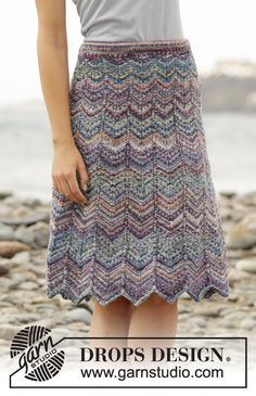 Knitted DROPS skirt with zig-zag pattern and stripes in Fabel. Size S- XXXL
