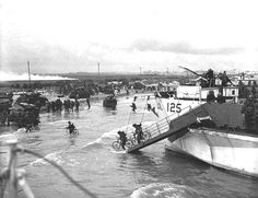 Pictures of Canadians on D-Day: Canadian Infantry Lands on Nan White Beach on D-Day