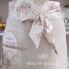Field Trip Friday with Shabby Art Boutique - What Meegan Makes Sewing Hacks, Sewing Crafts, Sewing Projects, Diy Crafts, Sewing Tips, Sewing Ideas, Shabby Chic Crafts, Aprons Vintage, Vintage Dishes