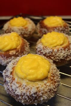 Skolebrød with vanilla custard and coconut
