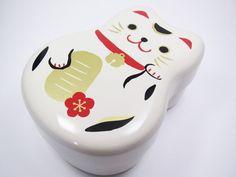 NEW Arrival! BENTO LUNCH BOX  Lucky Cat Manekineko Maneki Neko wht Made in Japan