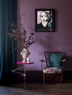 Get inspiration for decorating with 2018 Pantone Color of the Year Ultra Violet. See how to bring Ultra Violet into your interiors. Purple Home, Purple Interior, Interior Paint Colors, Interior Painting, Luxury Interior, Deco Violet, Murs Violets, Modern Victorian, Paint Colors