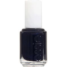 Navy Nails. Kind of want to try this fall trend. My love of navy knows no bounds.