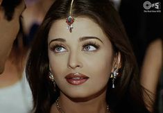 Aishwarya Rai Young, Aishwarya Rai Photo, Actress Aishwarya Rai, Vintage Bollywood, Indian Bollywood, World Most Beautiful Woman, Beautiful People, Aishwarya Rai Without Makeup, Indian Aesthetic