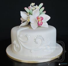 Birthday Cakes with Orchid Flowers | tier Mini Cake with Cymbidium Orchid