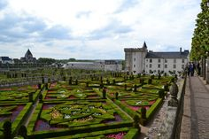 Le jardin d'ornement, Villandry, Mai 2013 - The castle and the gardens of the Renaissance Château de Villandry 37510 VILLANDRY FRANCE