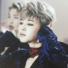 How is it even possible to BE so beautiful. Let alone that a guy could be. Bless Park Jimin