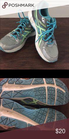 Nike Free Running Shoes � Size White/Black/Purple Nike Shoes