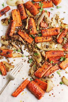 Sheet Pan Maple Roasted Carrots with Crispy Lentils Sweet and spicy maple roasted carrots with crispy lentils and herbs. A cozy, naturally vegan and gluten-free sheet pan meal. Lentil Recipes, Veggie Recipes, Vegetarian Recipes, Cooking Recipes, Healthy Recipes, Carrot Recipes, Healthy Dips, Avocado Recipes, Sausage Recipes